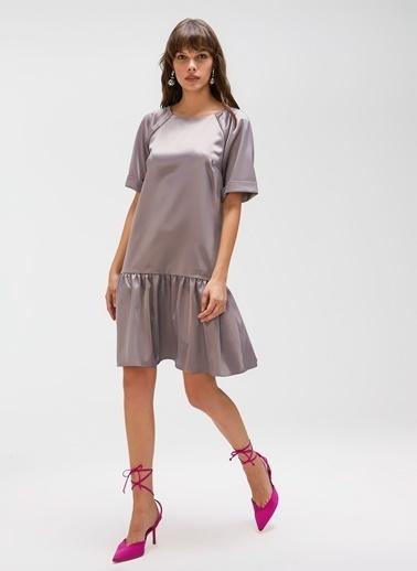 People By Fabrika Bağlamalı Saten Elbise Gri